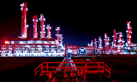 Japan Rethinks LNG Approach, Hurt by High Import Costs