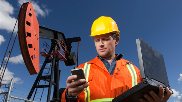 Survey: Oil, Gas Pros Seek New Jobs despite Being Employed