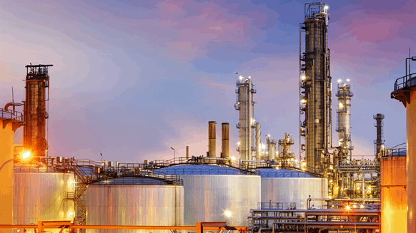 Uganda Signs Agreement with Investors to Build Oil Refinery
