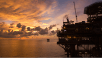 Oil, Gas Employment Moves from Shale to Offshore