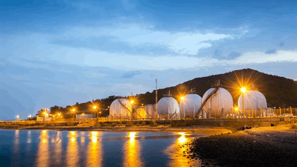 Pakistan LNG May Nix Eni, Gunvor Contracts