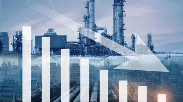 Analysts Expect Refinery Closures