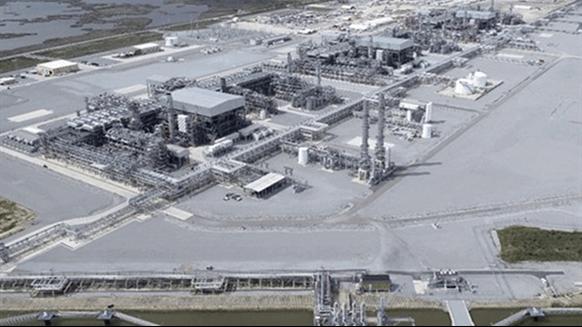 LNG Train Starts Up on Gulf Coast