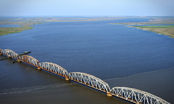 Low Water Levels Complicate Oil, Products Movements on the Mississippi