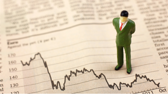 Oil Majors' $100 Hangover Hurts Profit as Cost Cuts Fall Short
